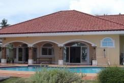 dauin beachfront villa