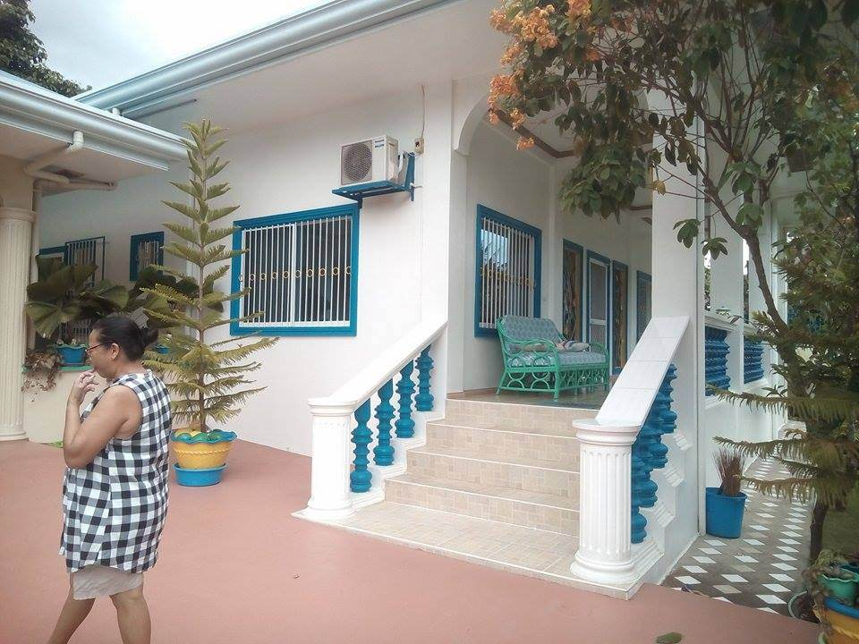 VALENCIA HOUSE FOR SALE JUST OUTSIDE TOWN PROPER