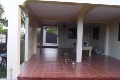 2 story valencia house and lot (10)