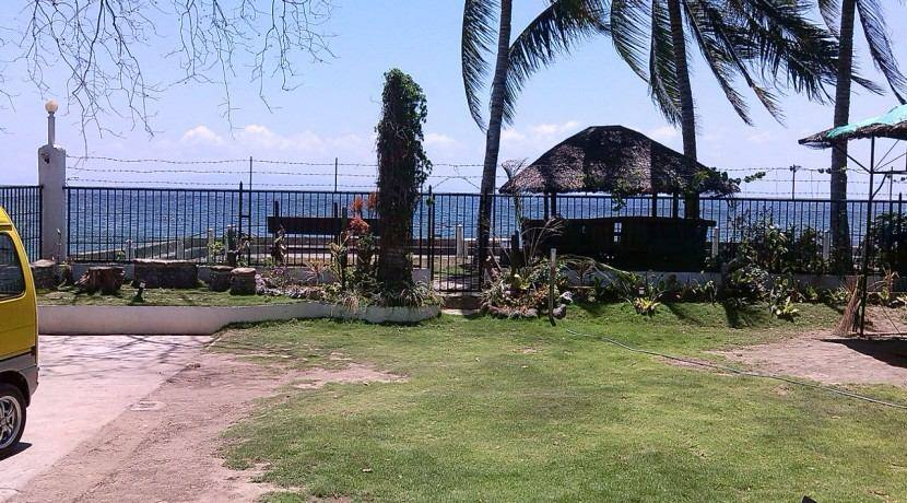 beachfront house and lot for sale (11)