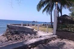 beachfront house and lot for sale (21)