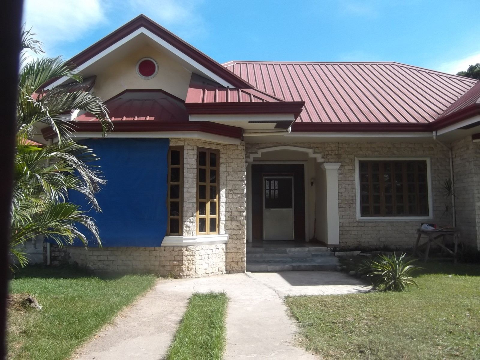 DUMAGUETE CITY HOUSE FOR SALE AT 7.5 MIL PHP