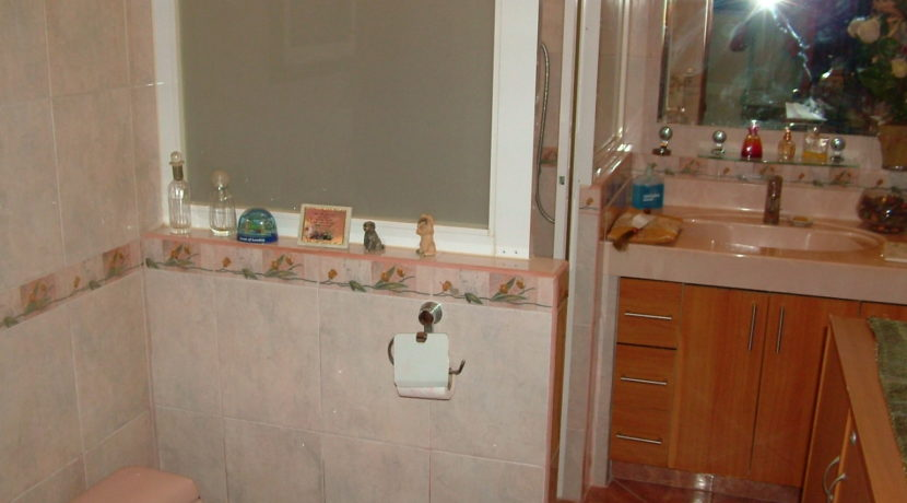 031_Guest Bathroom 2