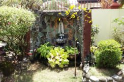 044A_Garden Prayer Grotto