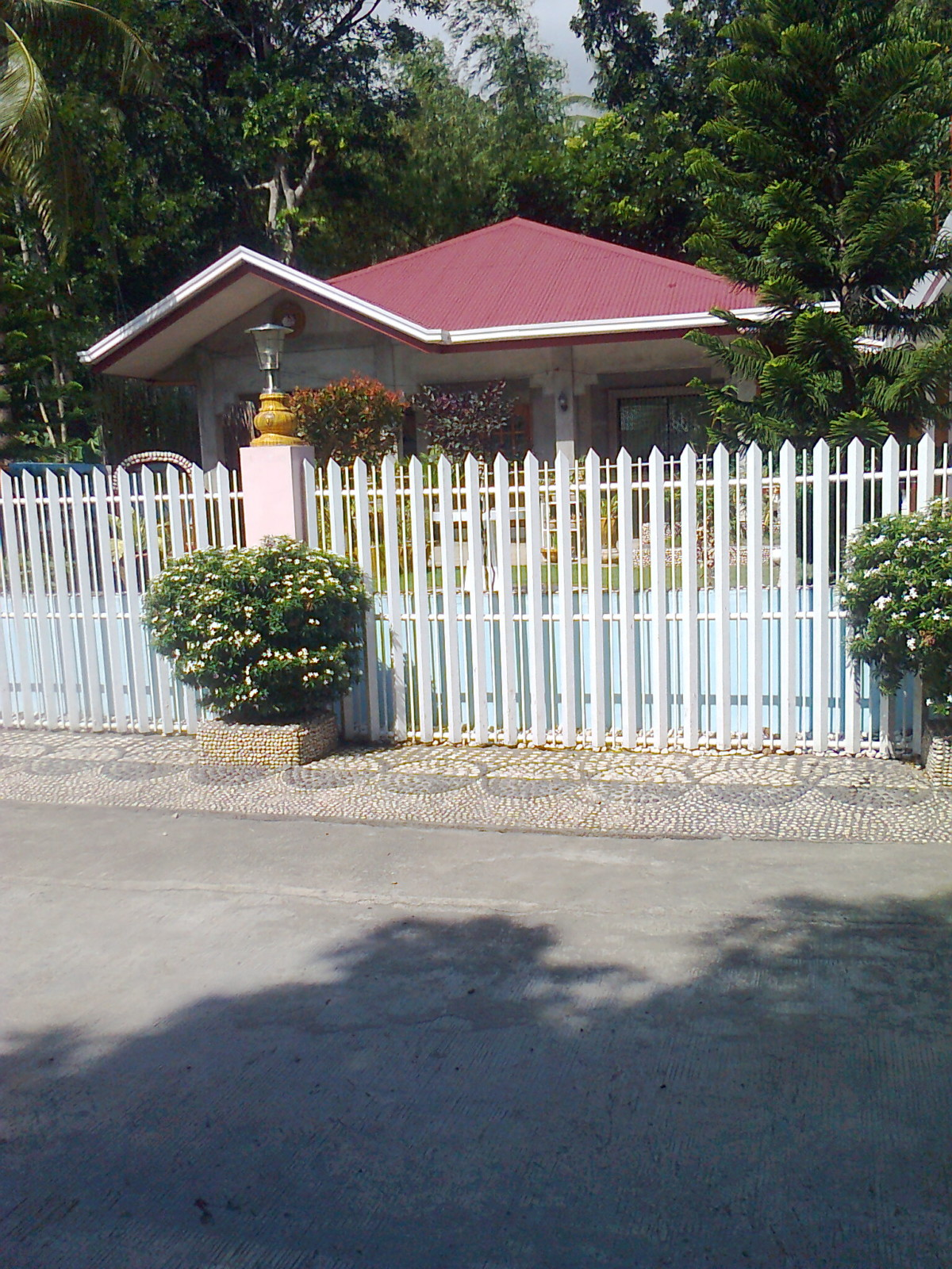 HOUSE FOR SALE IN TABLAS ISLAND, ROMBLON