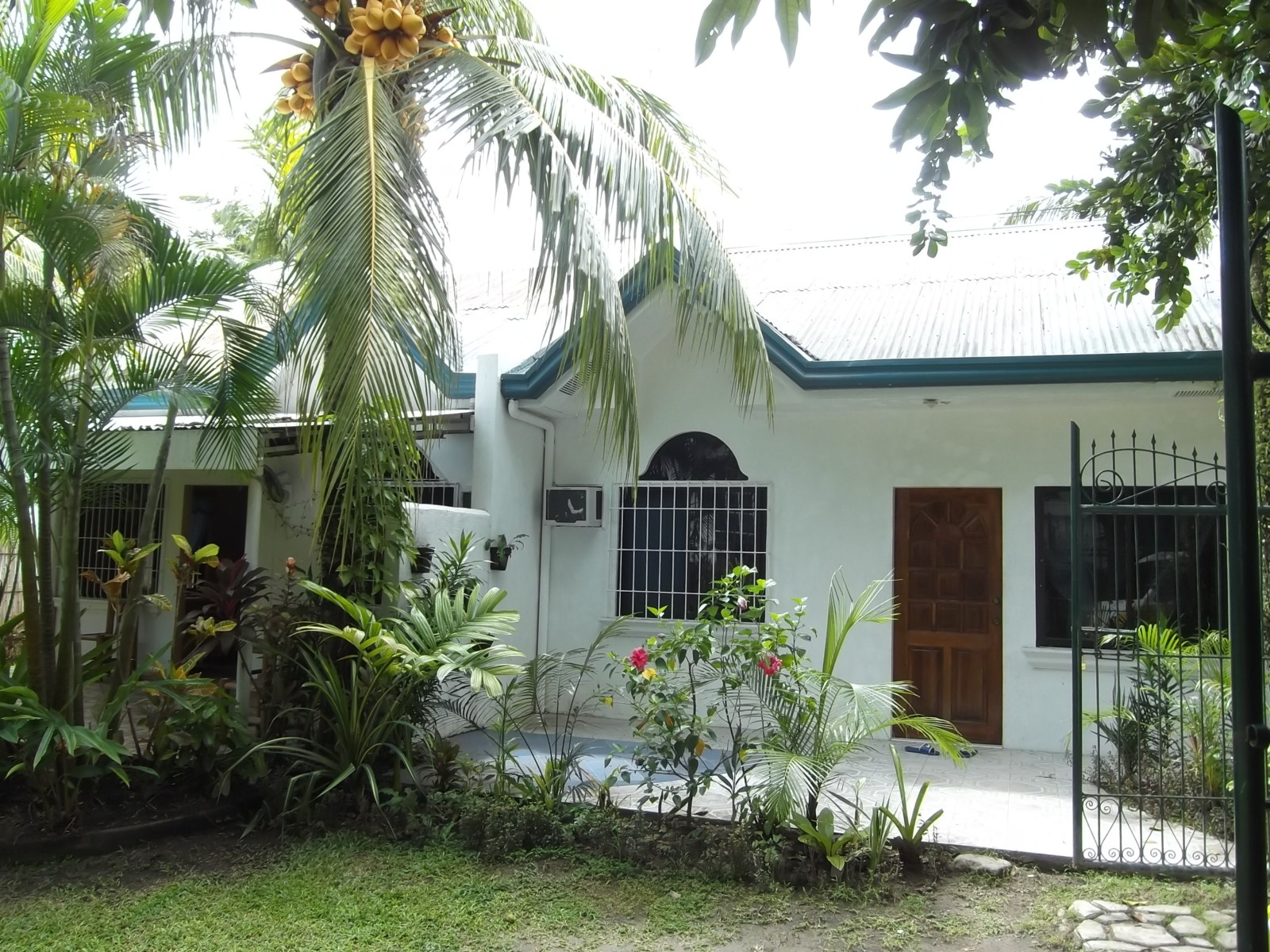 RENTAL COTTAGES FOR SALE IN BACONG