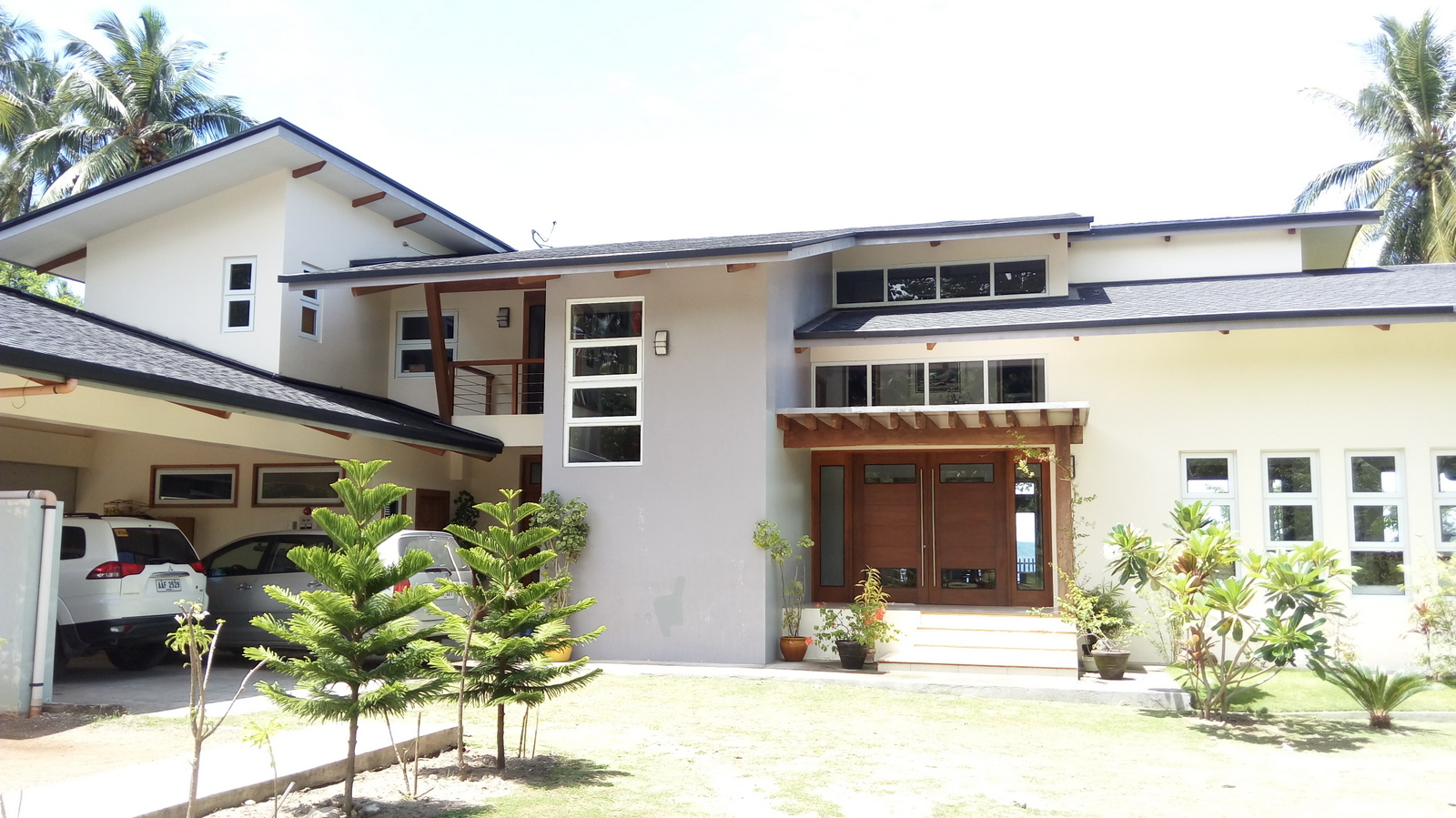 BEACH HOME FOR SALE IN ZAMBOANGUITA