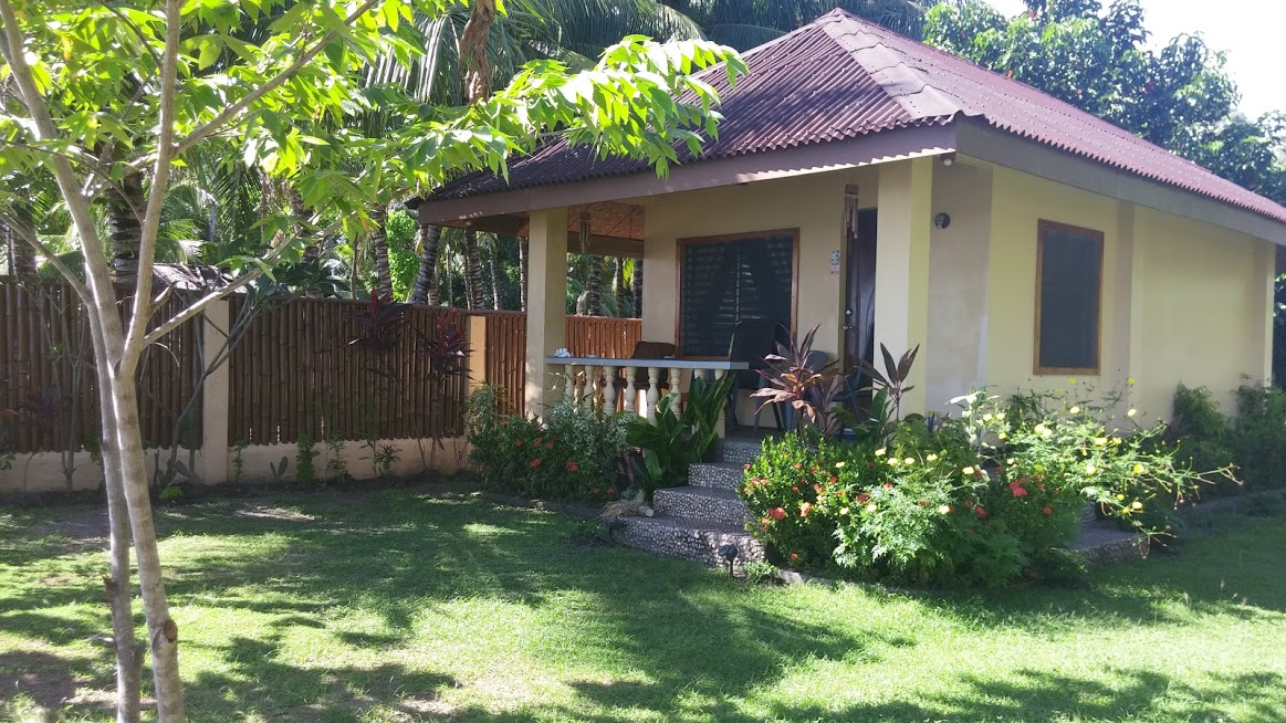 BEACHFRONT HOUSE FOR SALE IN ZAMBOANGUITA