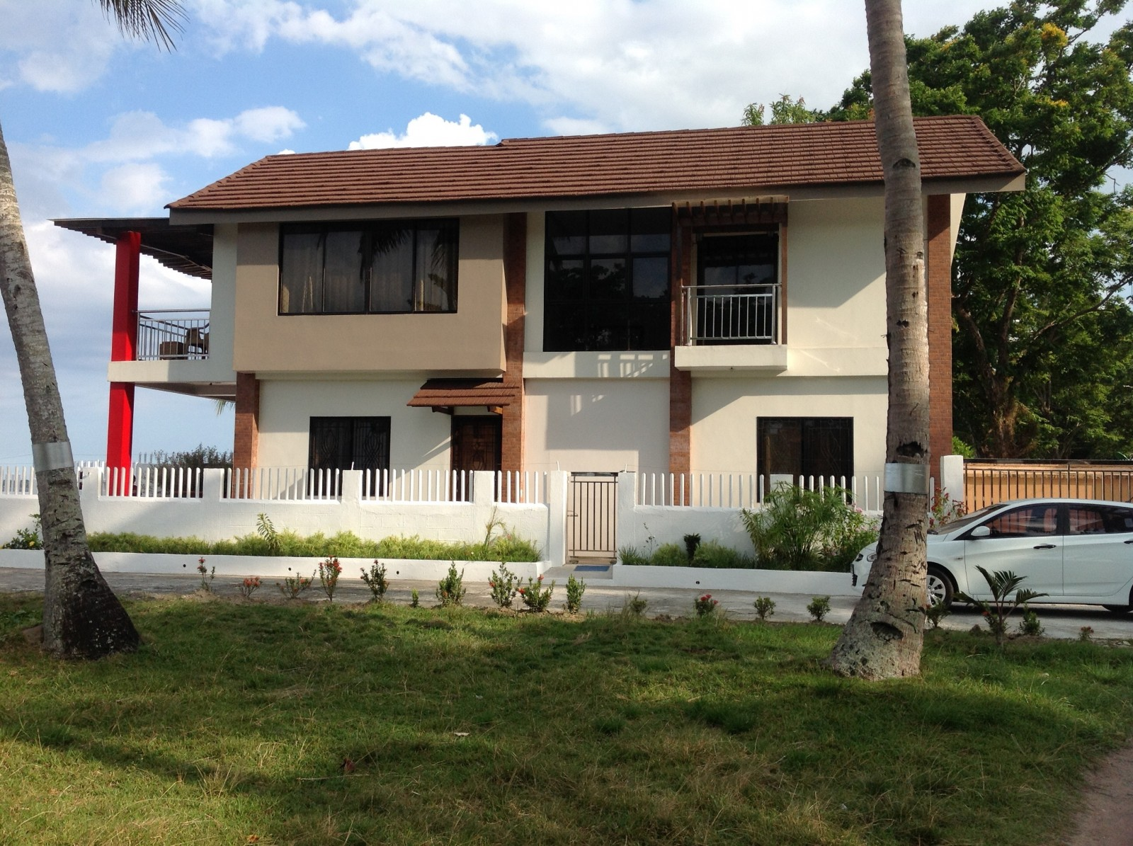 BEACHFRONT HOUSE FOR SALE