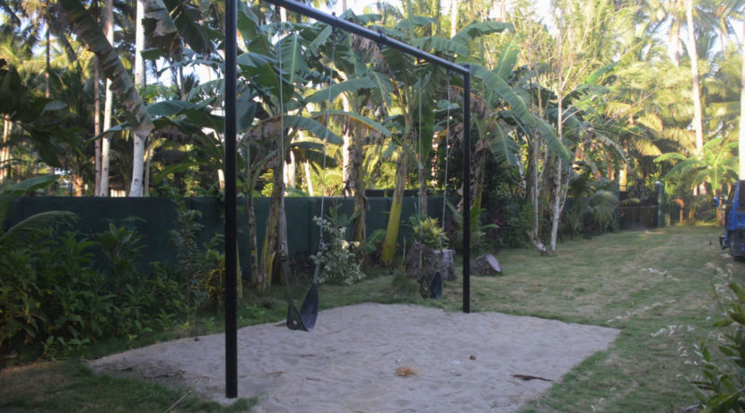 A magnificent beach-park Residence For Sale In Samar (4)