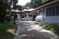 Guest house - driveway- mainhouse