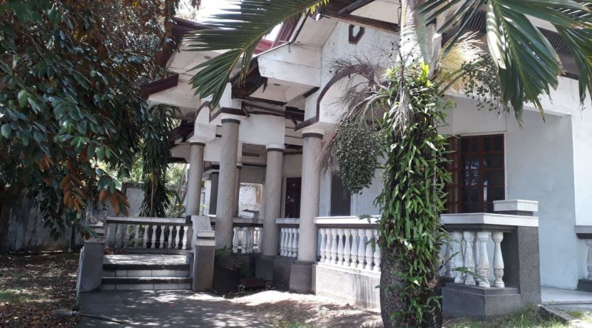 Main entrance entry